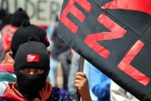 zapatistas con bandera