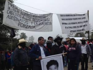 EZLN con los padres de los normalistas desaparecidos