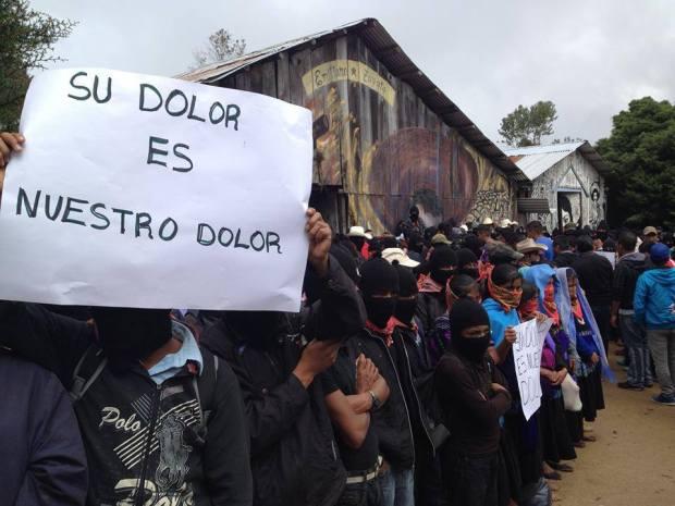 EZLN con padres de normalistas